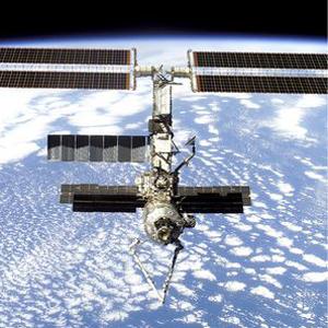 Фото №1 - Космонавты починили туалет