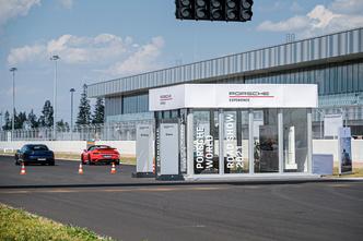 Фото №5 - Успеть за четыре часа: как Санкт-Петербург принял Porsche World Road Show