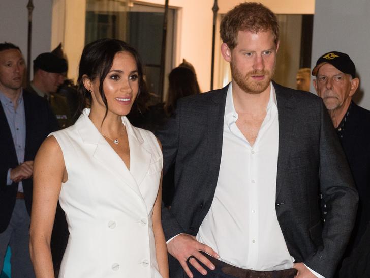 Фото №3 - Новый поворот: зачем Меган и Гарри попросили Королеву о личной встрече (и почему она не спешит с ответом)