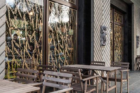 Фото №2 - Топ-6 кафе с летними верандами