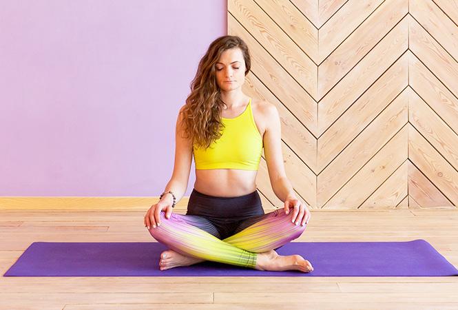 Фото №2 - Женская йога: 8 простых и очень полезных упражнений
