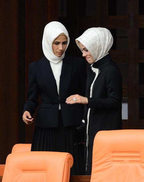 Фото №8 - Как одеваются дочери президентов: от сестер Алиевых до Айшат Кадыровой