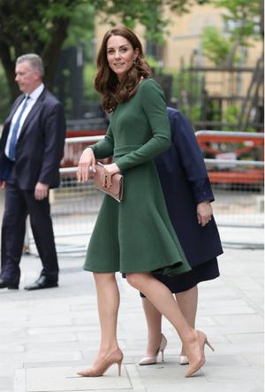 Фото №3 - Как не уставать на каблуках за целый день: секрет герцогини Кейт