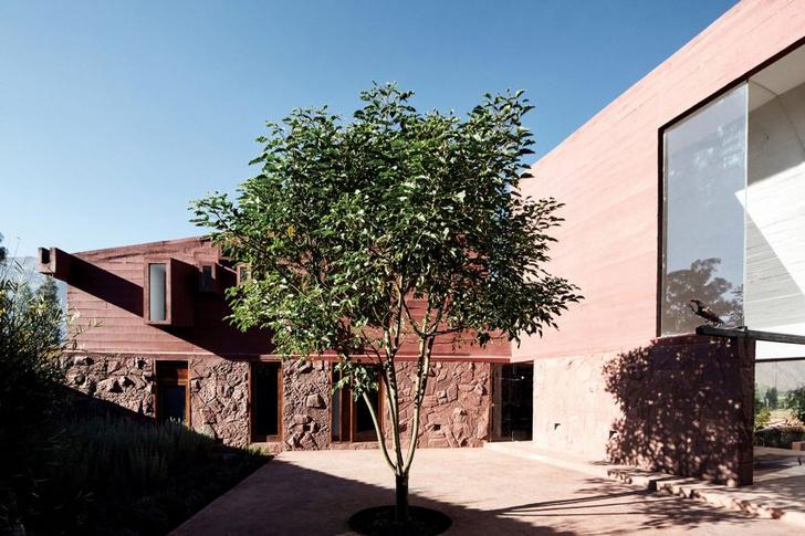 Фото №3 - Дом из красного камня в Перу