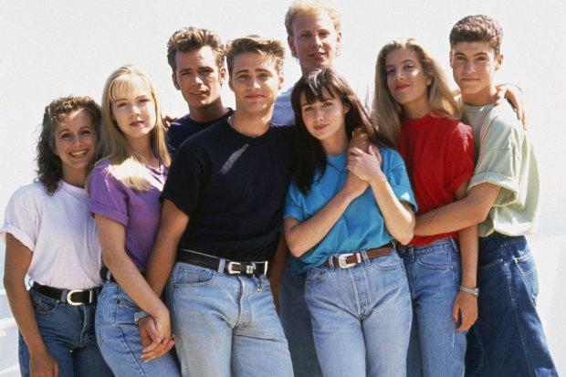 Фото №2 - Легендарные сериалы, которые любила молодежь 90-х