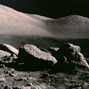 Фото №1 - Луну превратят в кладбище