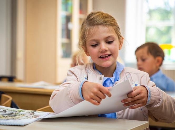 Фото №5 - Как принцесса Эстель провела свой первый день в школе