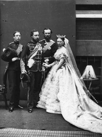 Принцесса Алиса в день своей свадьбы с Луи Гессенским