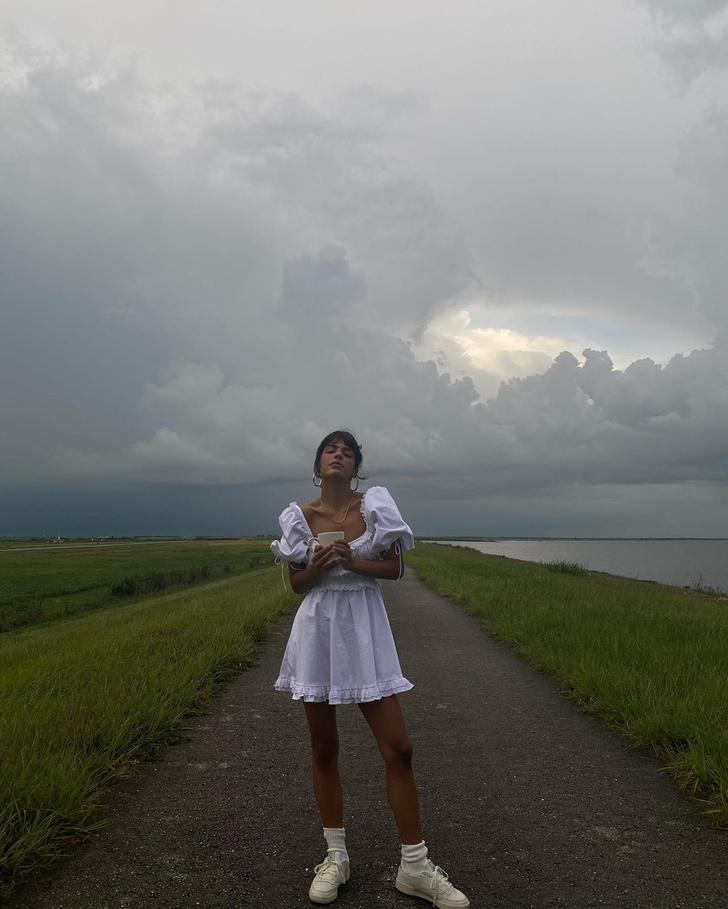 Фото №2 - До конца лета носите хлопковое платье с высокими носками, как инфлюенсер Джен Себаллос