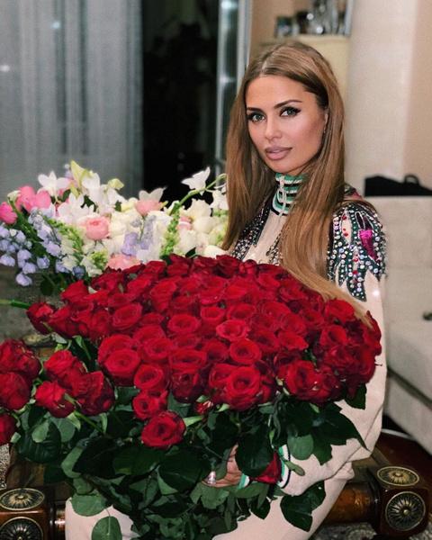 Фото №2 - «Как можно жить на такие деньги?»: Боня посочувствовала россиянам