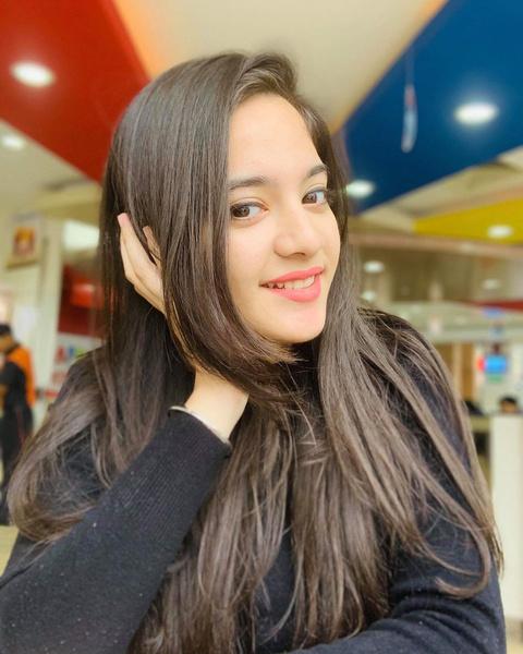 Фото №1 - 16-летняя звезда TikTok покончила с собой