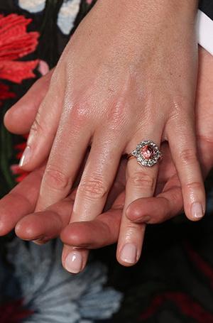 Фото №3 - Война невест: Меган Маркл или принцесса Евгения?
