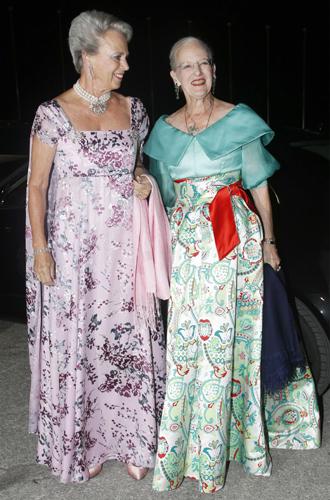 Фото №3 - Принцесса Дании рассказала о правильном королевском гардеробе (и намекнула на неудачный)