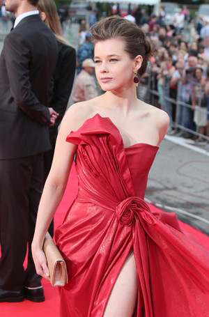 Фото №4 - 10 красавиц «Кинотавра-2017»: подводим модные итоги