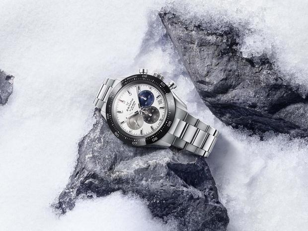Фото №1 - Влюбленным в спорт: Zenith представил часы Chronomaster Sport