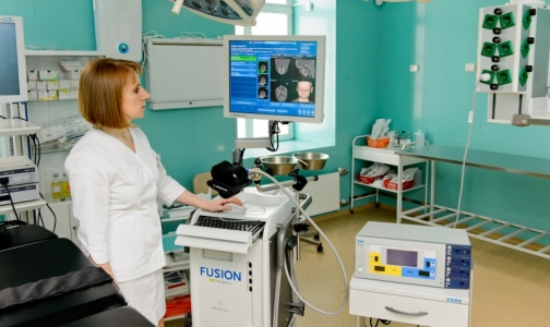 Фото №1 - Лор-врачи начали лечить петербургских детей с помощью навигационной системы