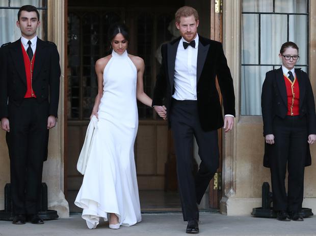 Фото №3 - Почему Гарри не берет Меган за руку в присутствии королевы