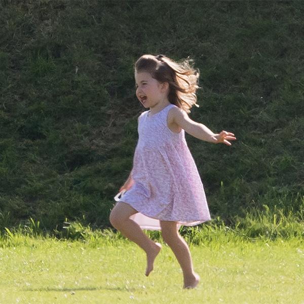 Фото №15 - Семейный выходной: принцесса Шарлотта, принц Джордж, Кейт и Уильям на игре в поло