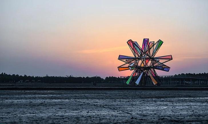 Фото №4 - Pop Star: инсталляция из цветного стекла в Китае