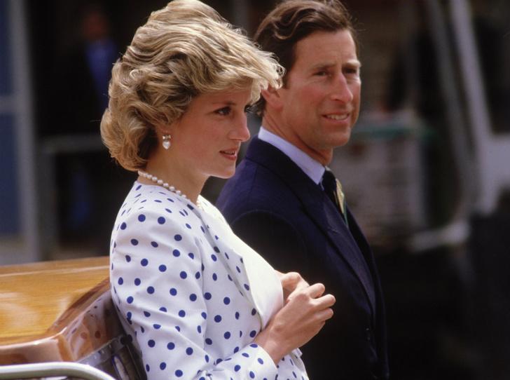 Фото №3 - Сомнения невесты: где и как Чарльз провел ночь накануне свадьбы с Дианой