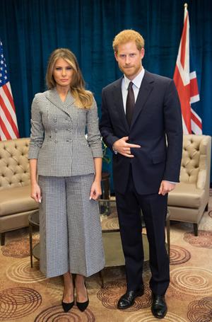 Фото №7 - Читаем по рукам: что говорят о Меган, Кейт и других королевских особах их руки