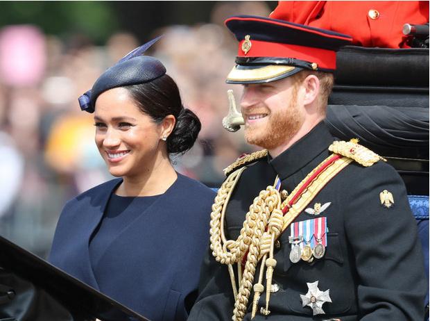Фото №2 - Герцогиню Меган осудили за пренебрежение королевскими обязанностями