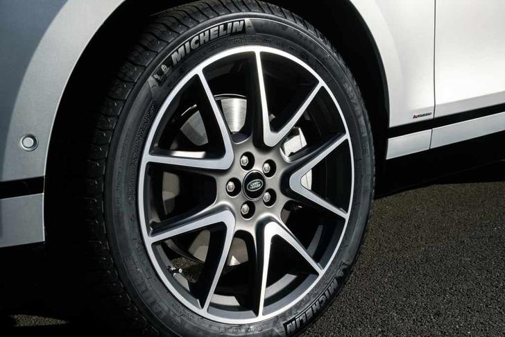 Фото №7 - Range Rover Velar — скрытая угроза