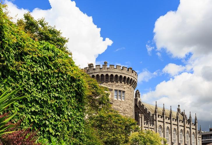 Фото №2 - От резиденции римских пап до самурайской крепости: 7 замков мира, которые непременно стоит посетить