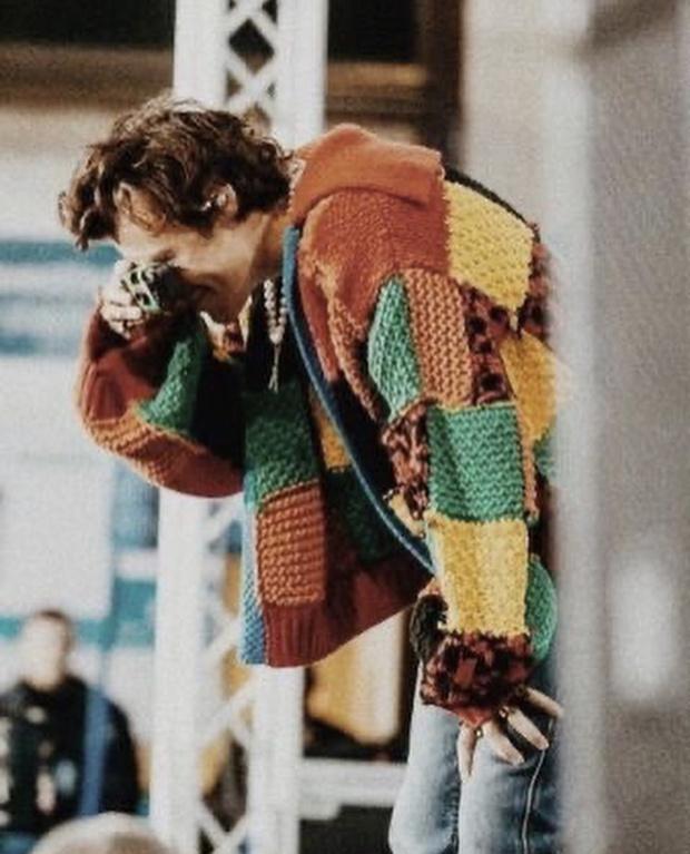Фото №1 - Как самому связать свитер как у Гарри Стайлса? Дизайнер Джонатан Андерсон делится подробной схемой рисунка