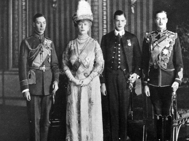 Фото №1 - Неудавшийся заговор: Елизавета II могла и не стать королевой
