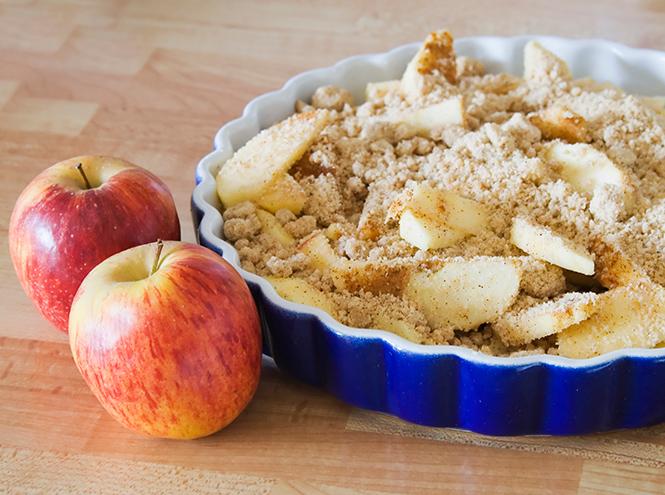 Фото №3 - Рецепты осени: яблочный крамбл