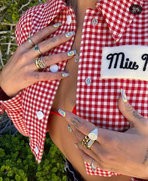 Фото №4 - Самые трендовые маникюры осени 2021: вдохновляемся ногтями Дуа Липы