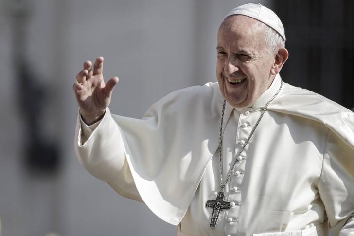 Фото №1 - Папа римский изменил молитву «Отче наш»