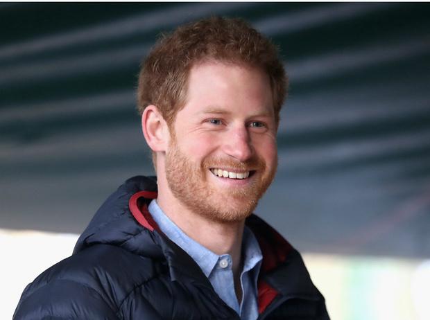 Фото №1 - Против традиций: что не так с обручальным кольцом принца Гарри