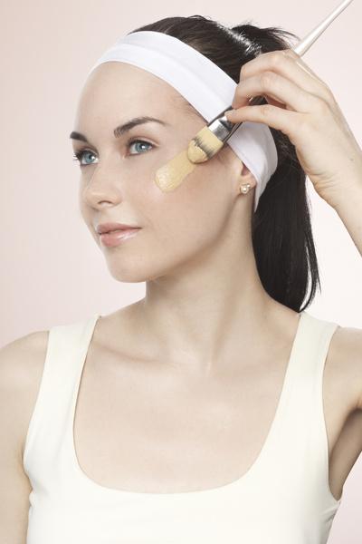 Матовый тональный крем – основа макияжа
