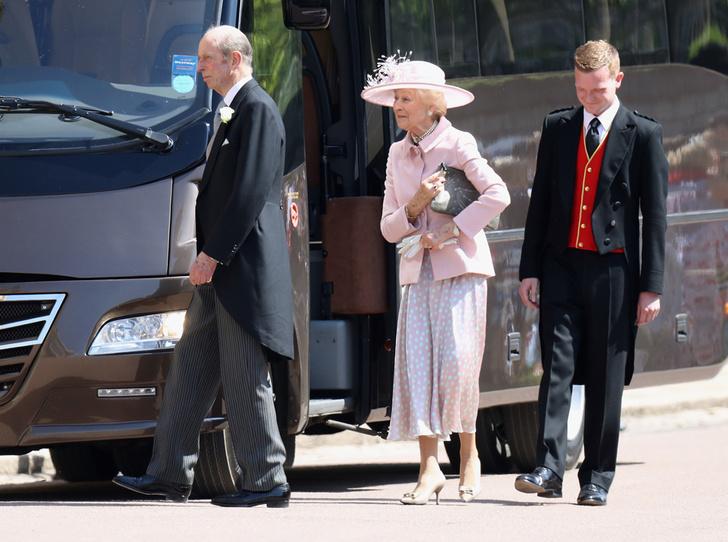 Фото №5 - Не приглашены: кого из Виндзоров не было на свадьбе Гарри и Меган