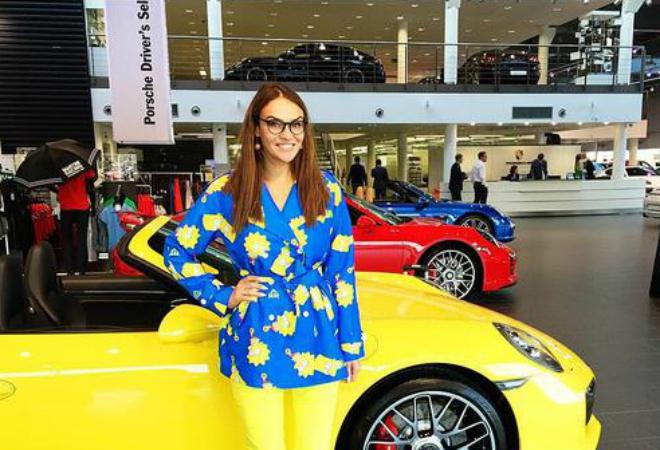 Фото №1 - Снова на колесах: Водонаева купила Mercedes