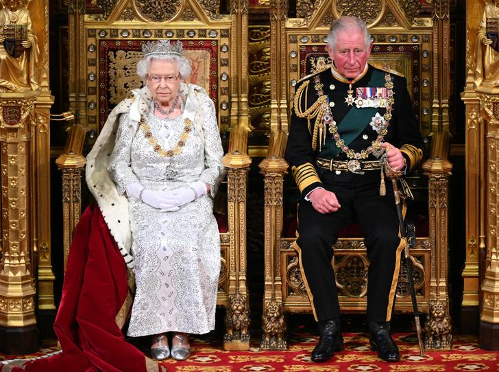 Фото №1 - Чем будут отличаться коронации Елизаветы и Чарльза