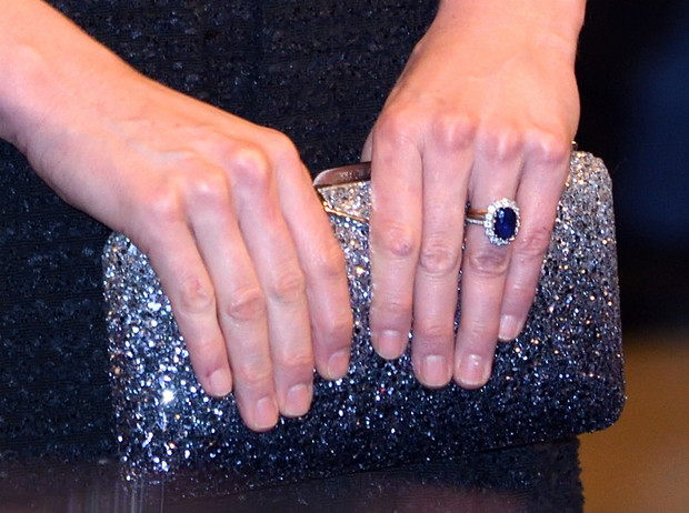 Фото №4 - Сходство налицо: что общего у помолвочных колец Кэрри Симондс и герцогини Кейт
