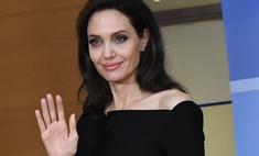 Снова депрессия Анджелина Джоли оделась в черное накануне Дня матери
