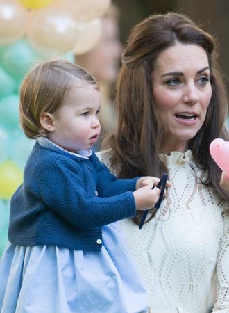 Фото №4 - Ее мини-Величество: феноменальное сходство принцессы Шарлотты с Елизаветой II