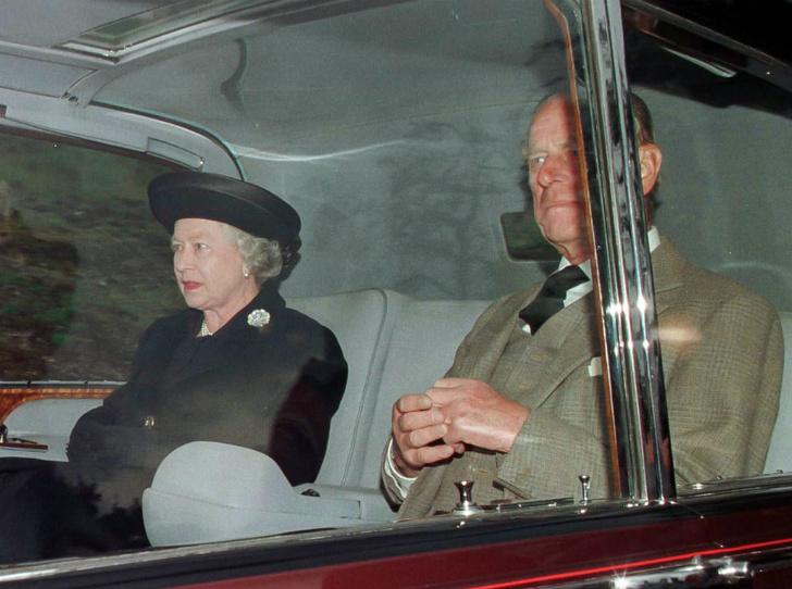 Фото №2 - Что сказала Королева, узнав о гибели принцессы Дианы