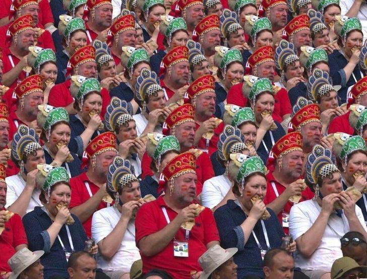 Фото №2 - #РоссияИспания: легендарный матч ЧМ-2018 в лучших мемах