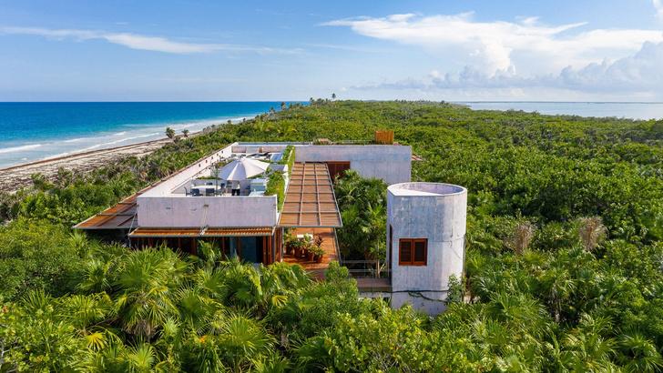 Фото №1 - Бетонный дом на побережье Карибского моря в Тулуме
