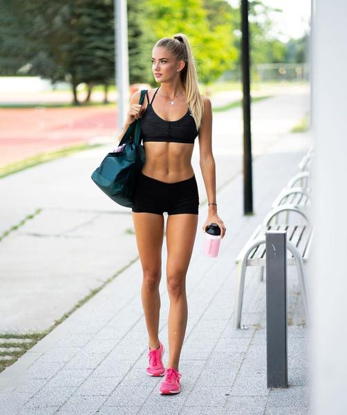 Фото №1 - Она идеальна: как выглядит самая красивая спортсменка мира