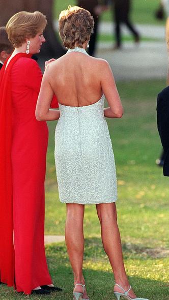 Фото №13 - 10 платьев принцессы Дианы, которые вошли в историю моды и изменили ее
