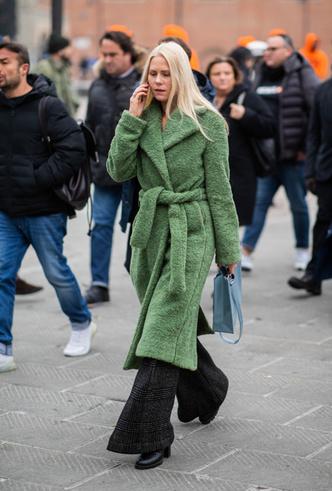 Фото №2 - Фисташка, шалфей и зеленый чай: как носить главную альтернативу цвету хаки