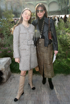 Фото №12 - Стиль принцессы Каролины: модные правила старшей дочери Грейс Келли