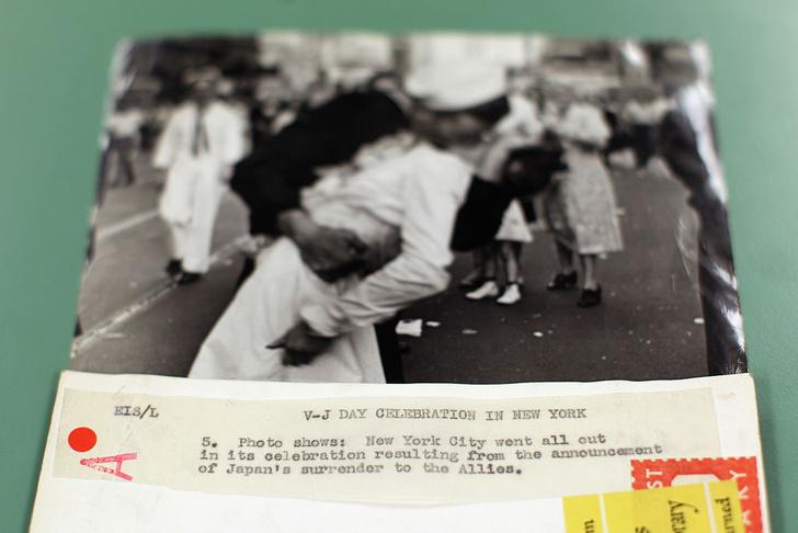 Фото №2 - Поцелуй на Таймс-сквер как символ окончания войны: история одного фото