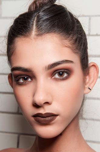 Фото №23 - Ночь продержаться: как сделать макияж стойким